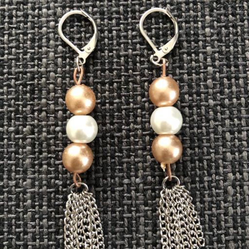 Pendientes con perlas de cristal blancas y cobre [2]