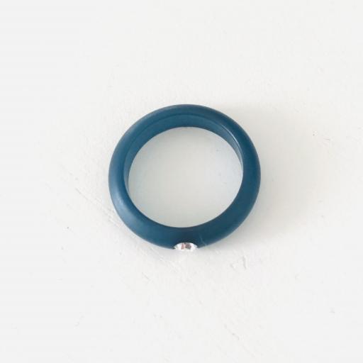 Anillo de resina azul con circonita [2]