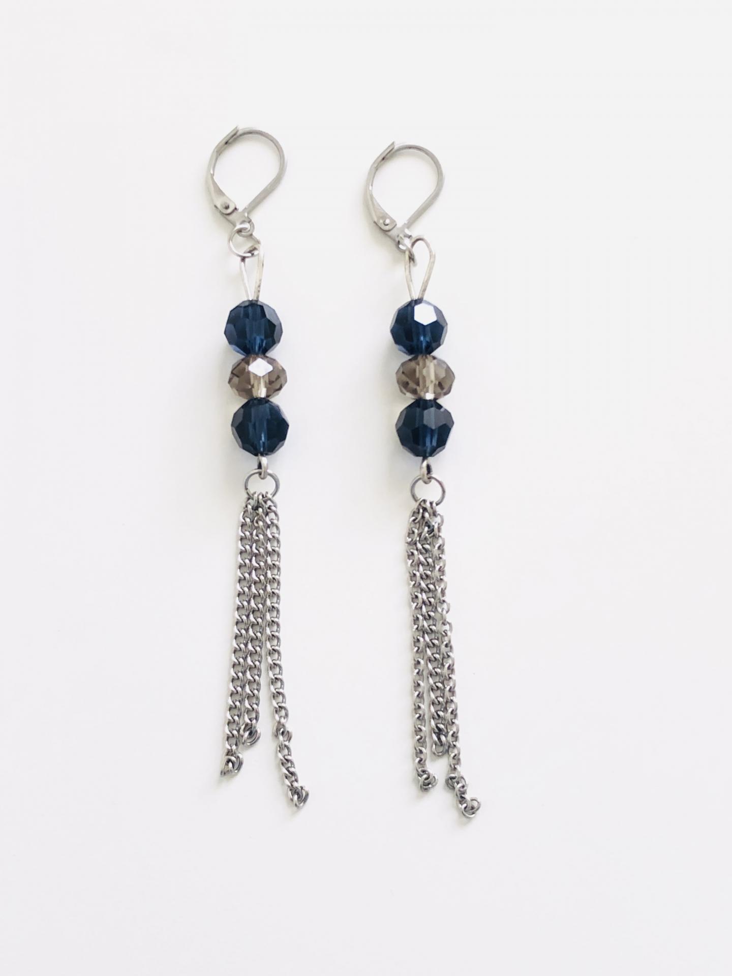 Pendientes  encadenados con cristales azules y visón