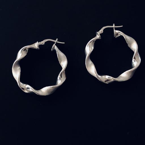 Aros retorcidos de plata en brillo y mate de 24 mm [3]