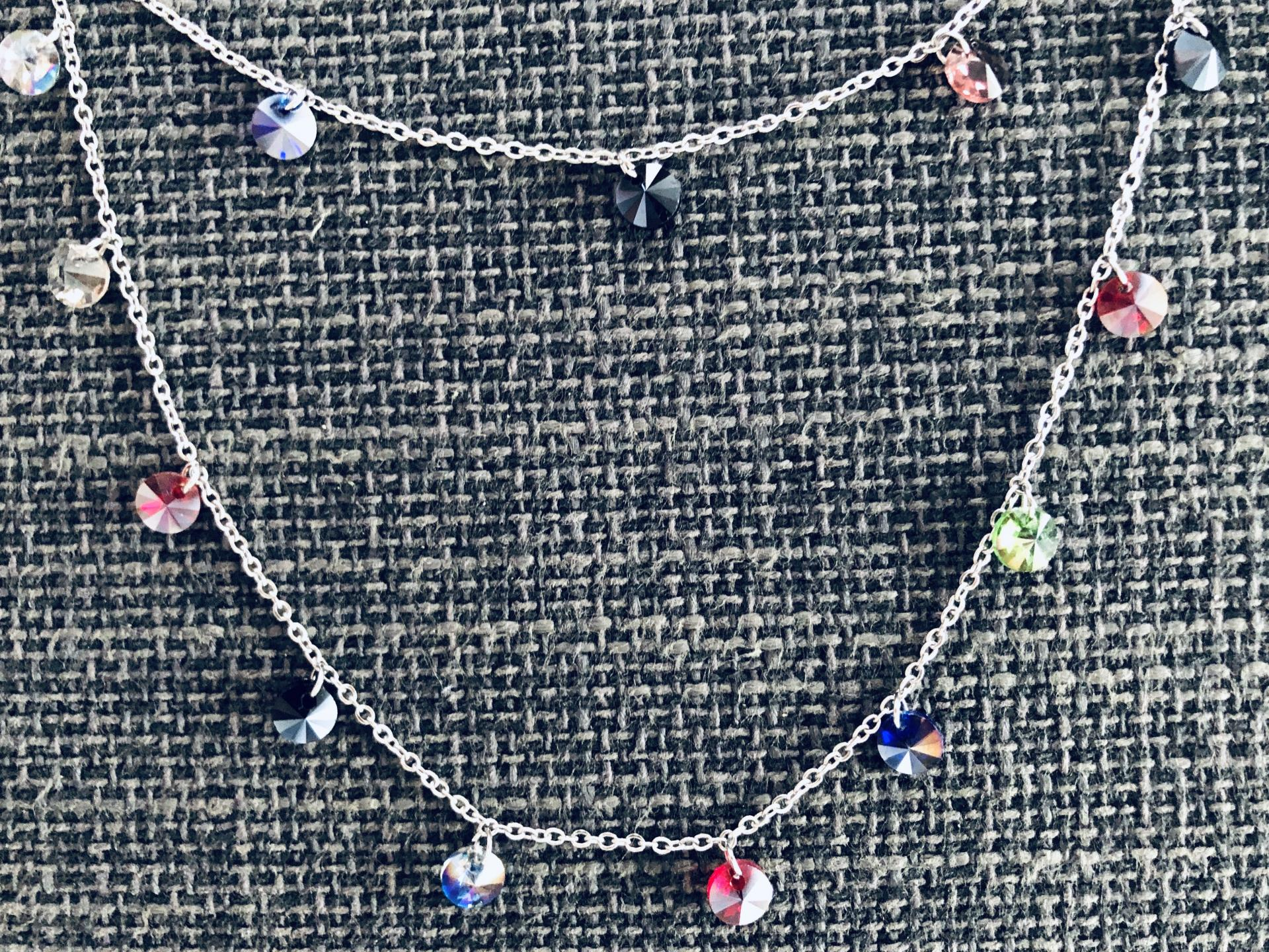 Collar doble de acero con cristales de colores
