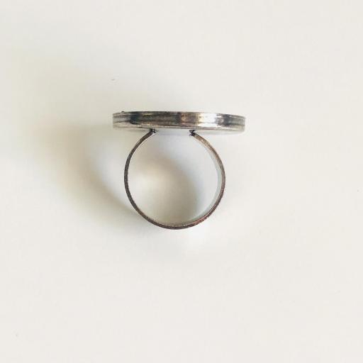 Anillo metálico XL con cristales Swarovski color plata y gris [3]
