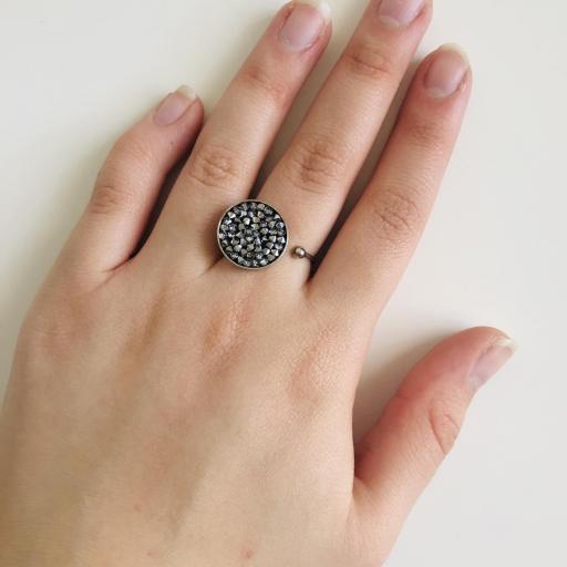 Anillo metálico con cristales Swarovski plata y grises [1]