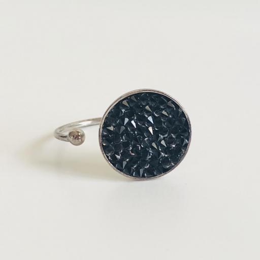 Anillo metálico con cristales Swarovski negros
