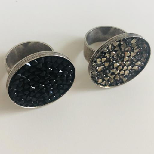 Anillo metálico XL con cristales Swarovski negros  [2]