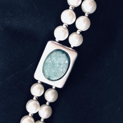Pulsera de perlas de coral con piedra verde [3]
