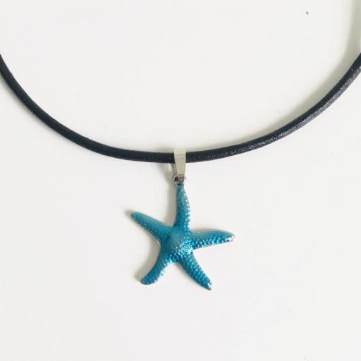 Colgante con estrella de mar color turquesa