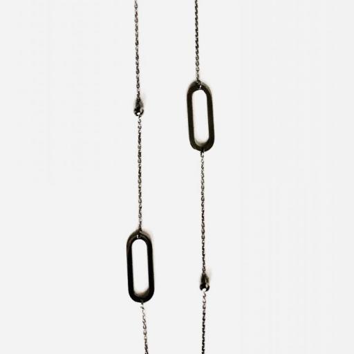 Collar de acero con cadena y eslabones  [1]