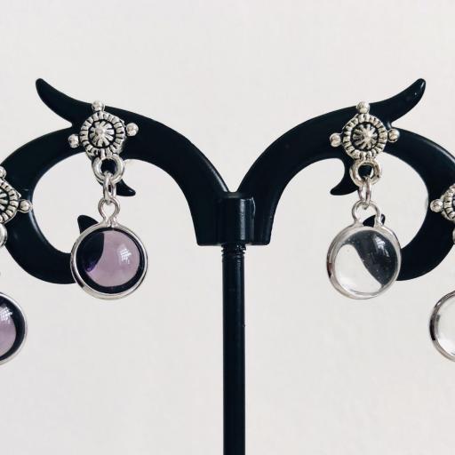 Pendientes con redondel plateado y cristal lila [2]