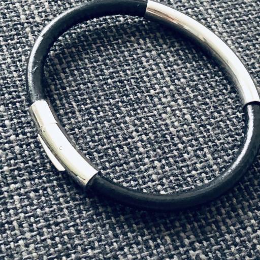 Pulsera unisex de acero y cuero negro [1]
