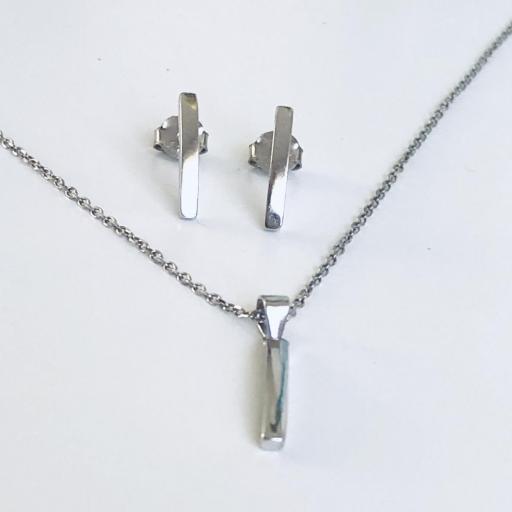 Conjunto de pendientes y gargantilla  rectangular en plata