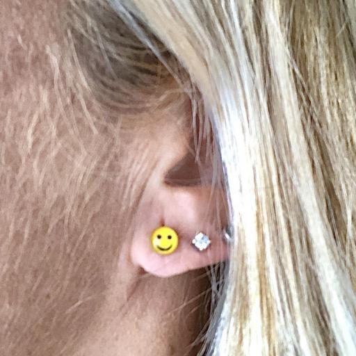 Pendientes plata con emoticono sonriente [3]