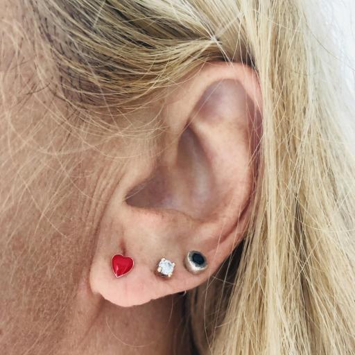 Pendientes plata con corazón esmaltado rojo [3]