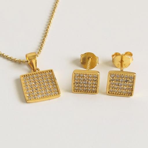 Conjunto cuadrado de colgante y pendientes, en plata 925 con baño de oro y circonitas