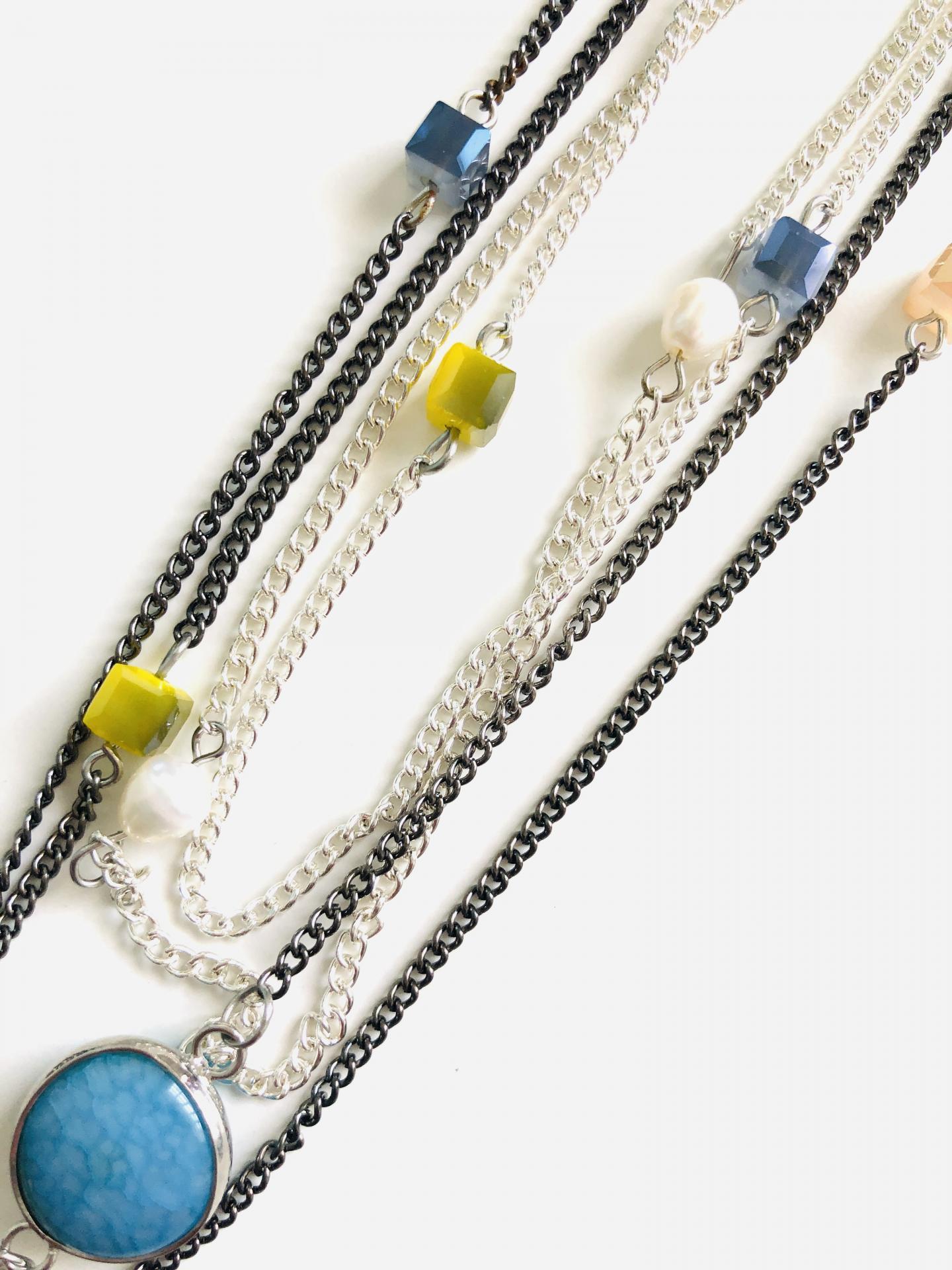 Collar fantasía cadenas azul turquesa