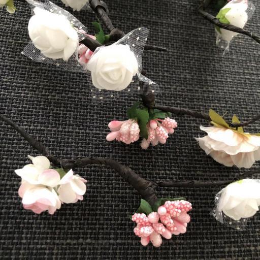Tocado de flores en forma de tira  [3]
