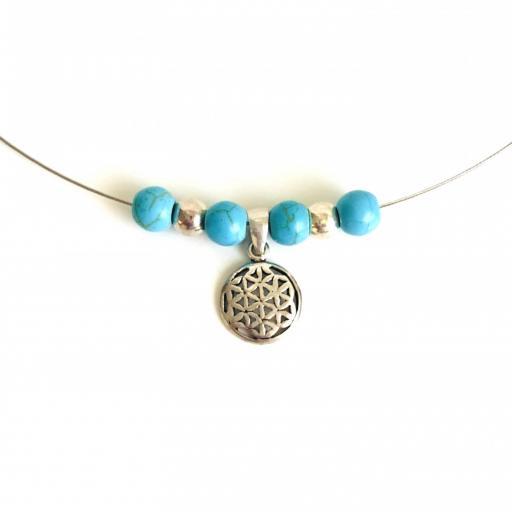 Collar de plata con flor de la vida y turquesa natural