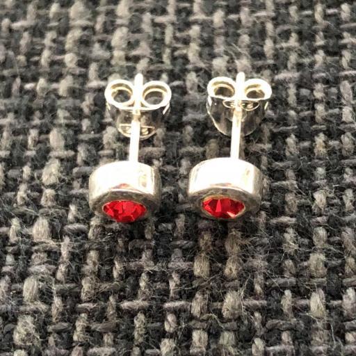 Pendientes de plata con  cristal rojo [2]