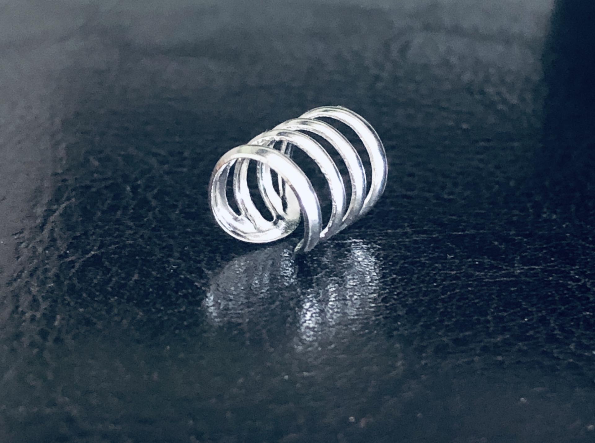 Earcuff de plata con cuatro anillas