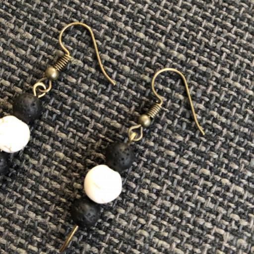 Pendientes jade blanco y lava negra [1]