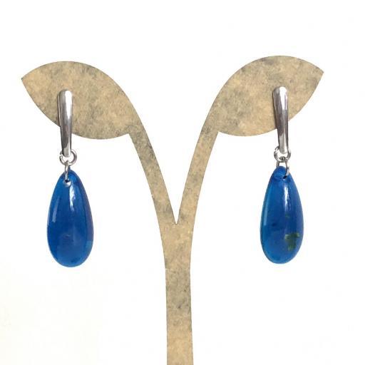 Pendientes de acero y  gota de resina azul