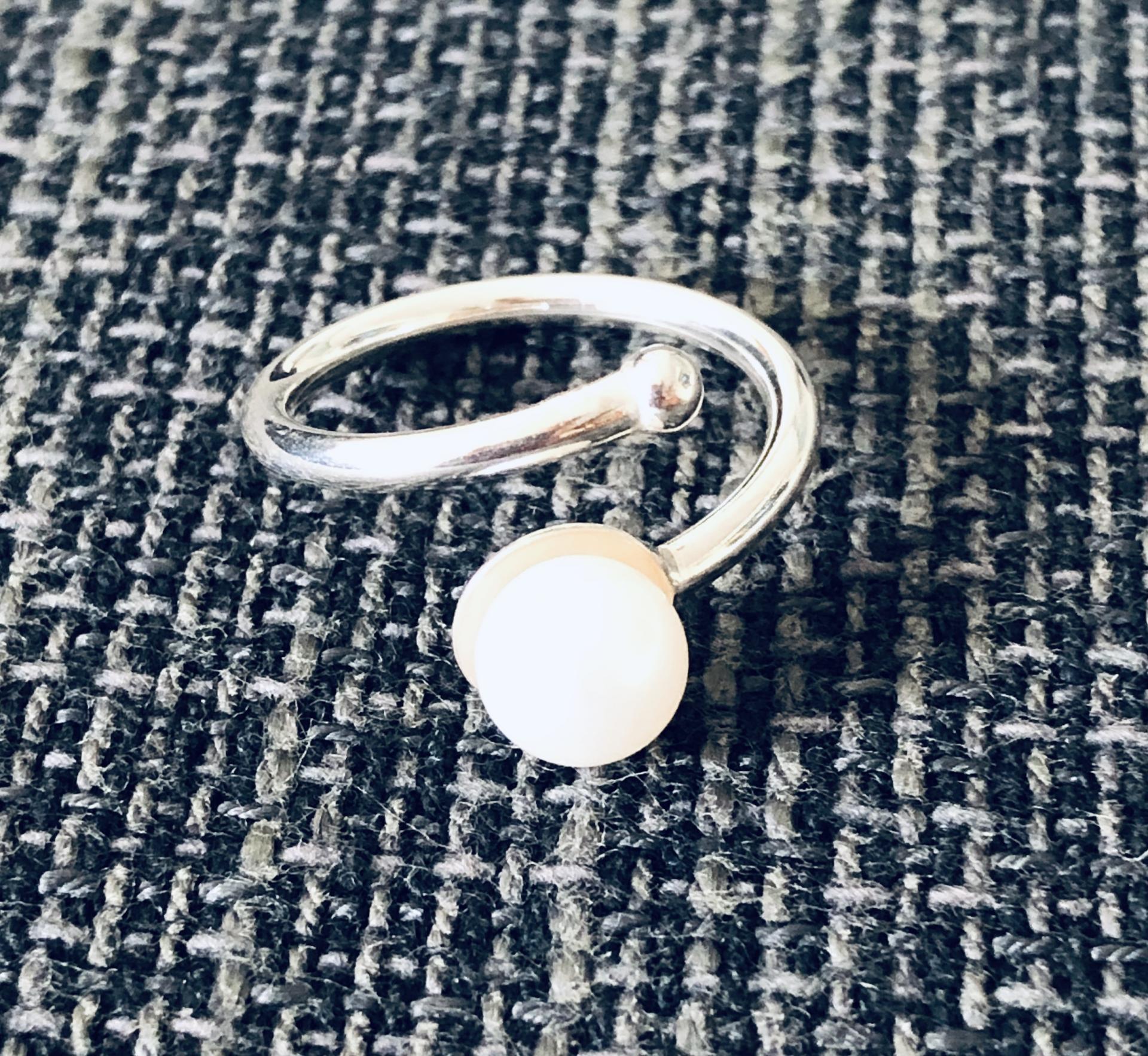 Anillo de plata 925 y perla natural