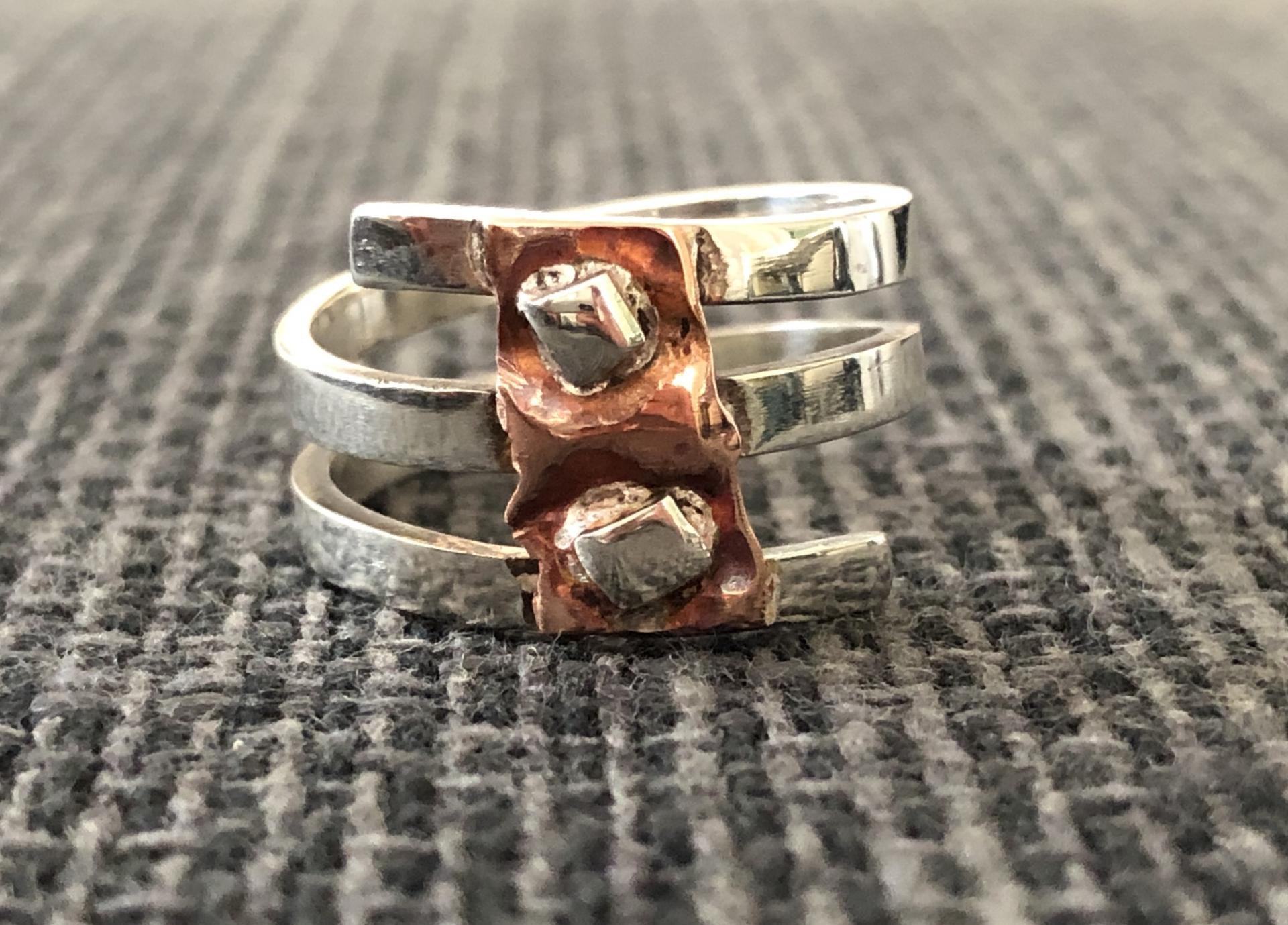 Anillo triple de plata y cobre