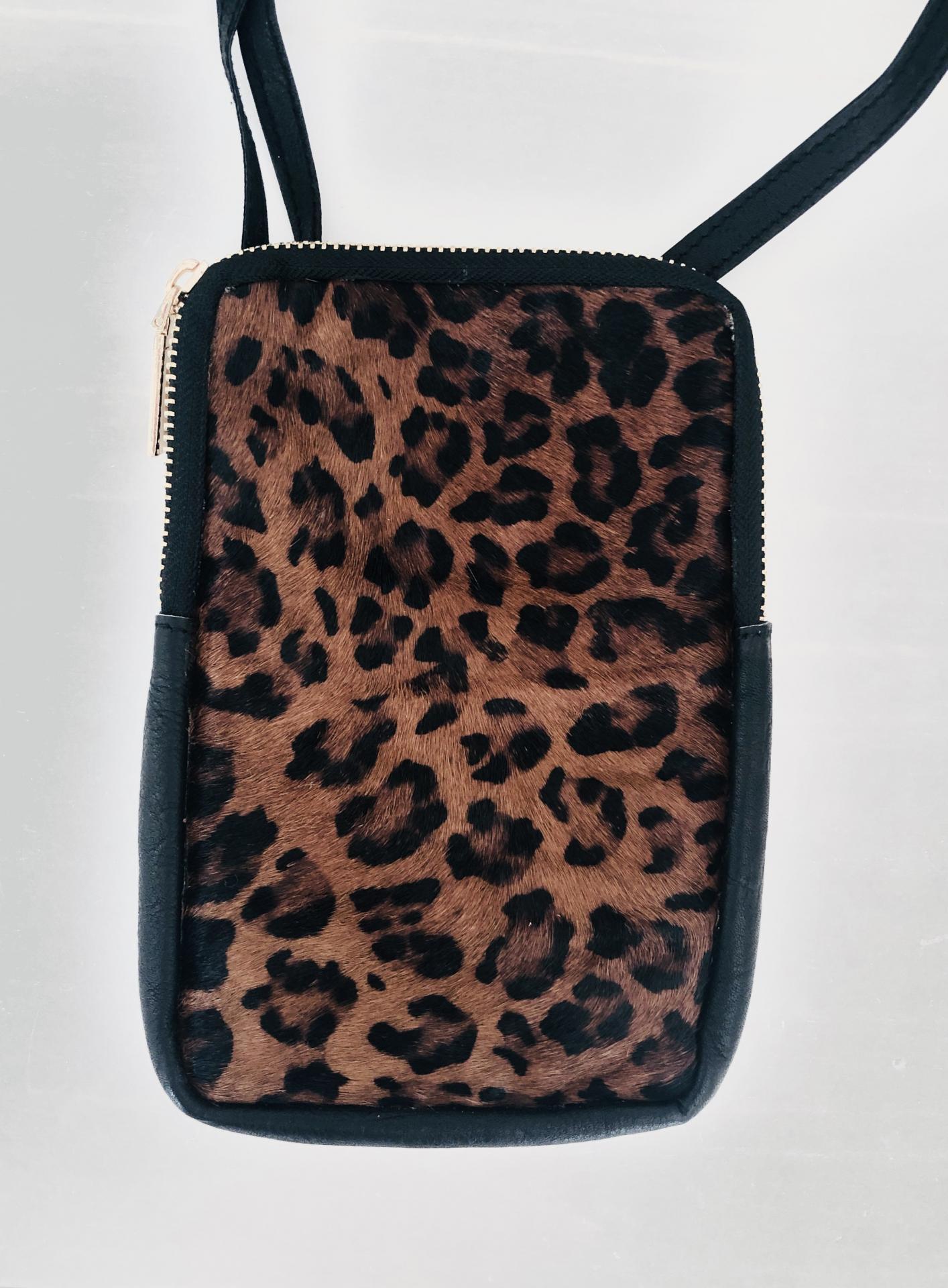Bolos rectangular animal print color marrón