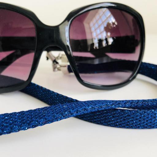 Cordón  plano en color azul con brillo plateado para colgar gafas [3]