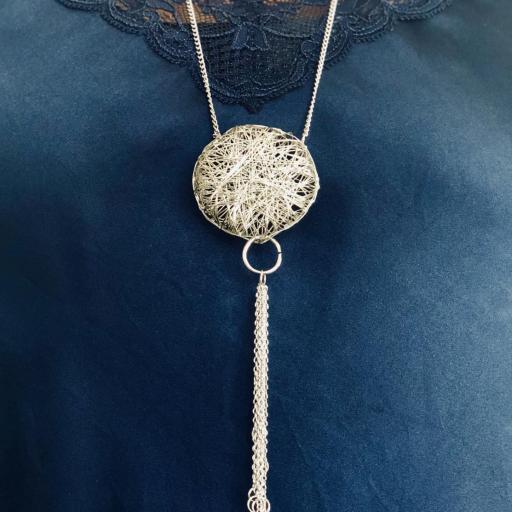 Collar ovillo  plateado con cadenas  [3]
