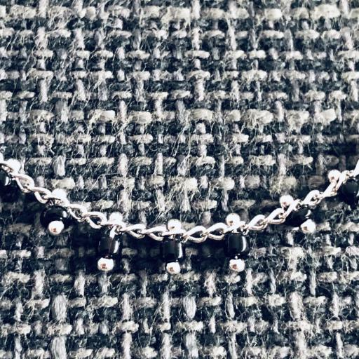 Collar de bolitas negras y plata