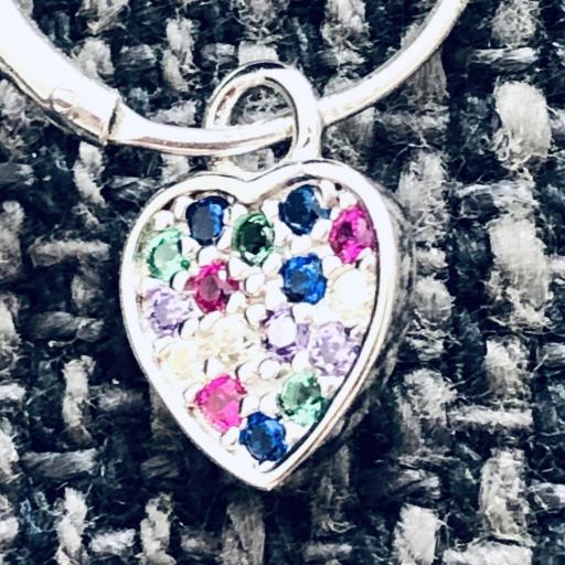Aros con corazón colgante de circonitas de colores [1]