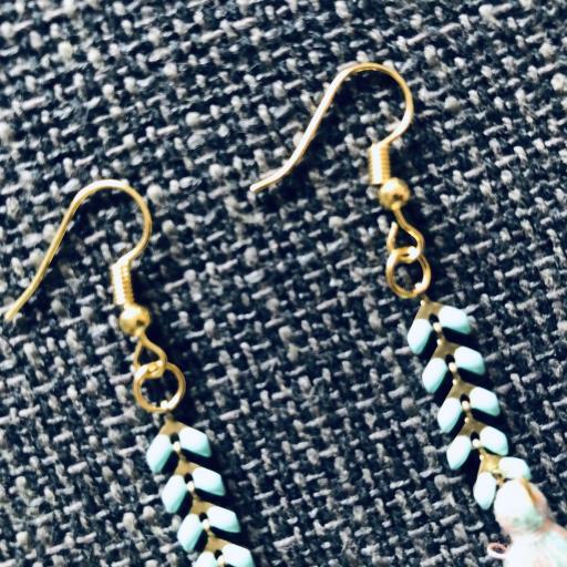 Pendientes dorados y turquesa con borla [1]