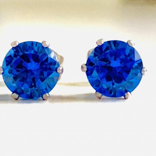 Pendientes de botón con cristal azul engarzado [2]