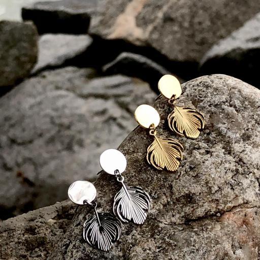 Pendientes con pluma dorada pequeña [3]