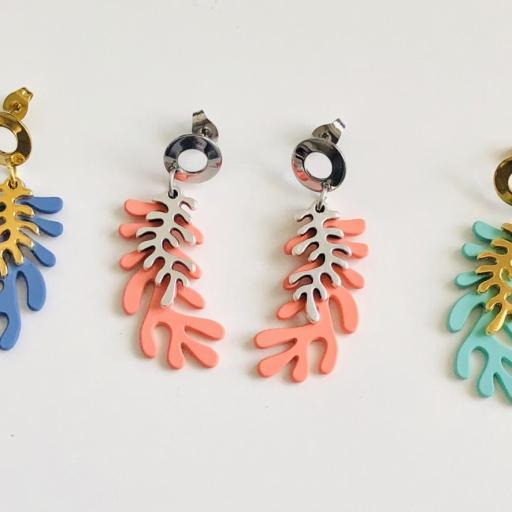 Pendientes  con forma  de coral en  color verde turquesa y dorado [2]