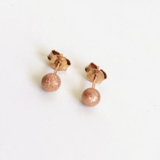 """Pendientes de botón colección """"Valentina"""" con baño de oro rosa"""