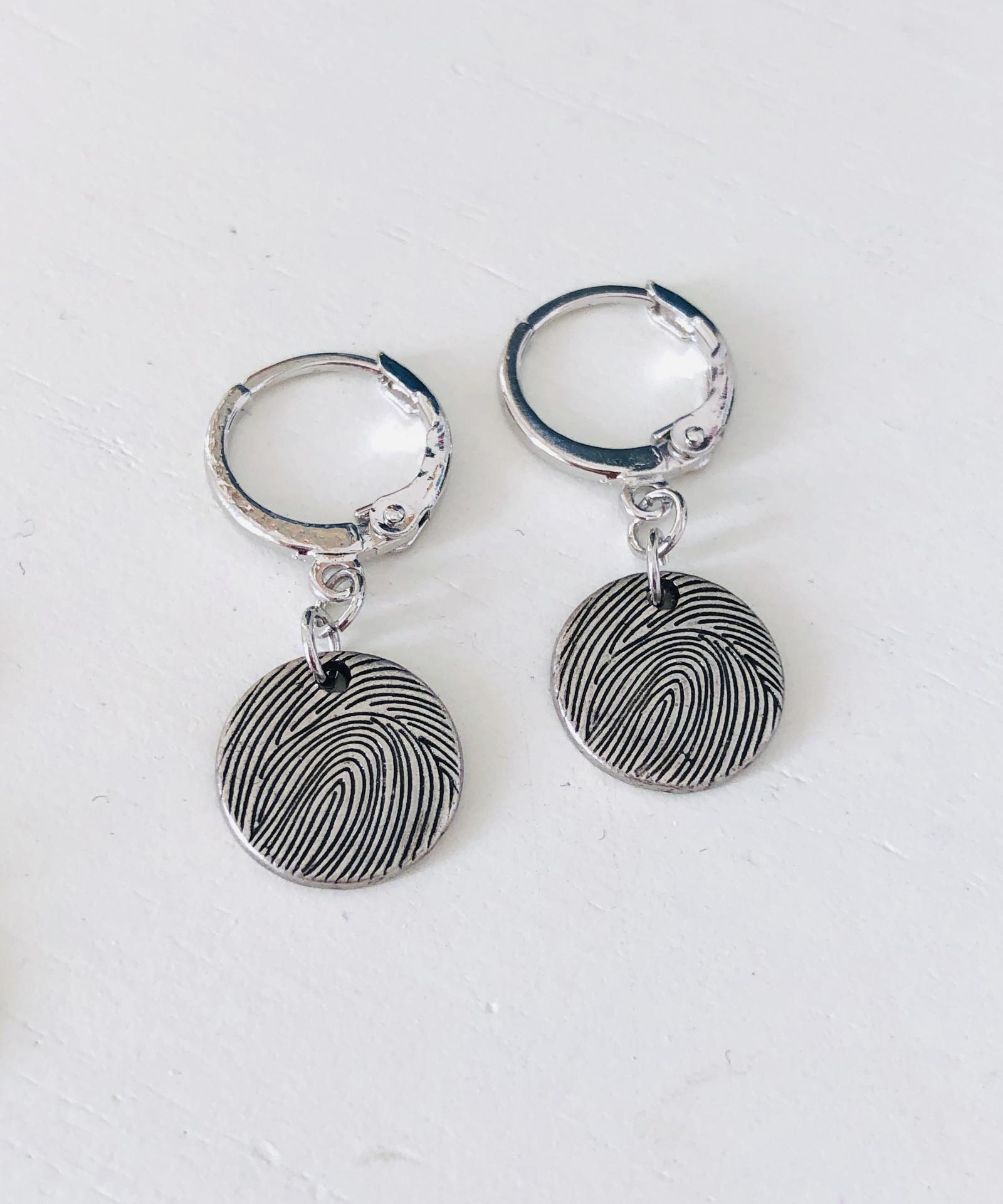 Aros criolla plateados con círculo texturado