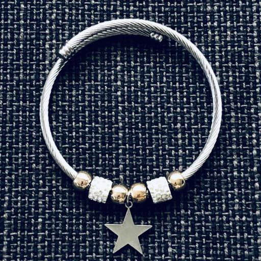 Pulsera con charms y estrella