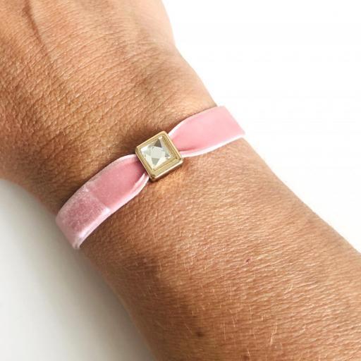 Pulsera terciopelo elástico rosa con cristal cuadrado [1]