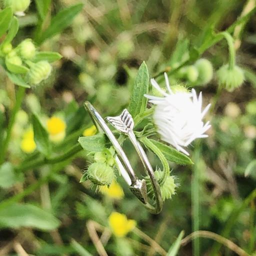 Anillo de plata con forma de flecha [3]