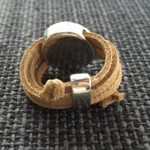 Anillo antelina ocre circulos [1]