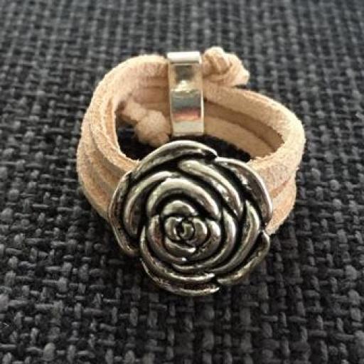 Anillo antelina rosa pálido flor relieve [0]