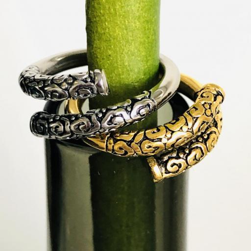 Anillo abierto y texturado de acero dorado [3]