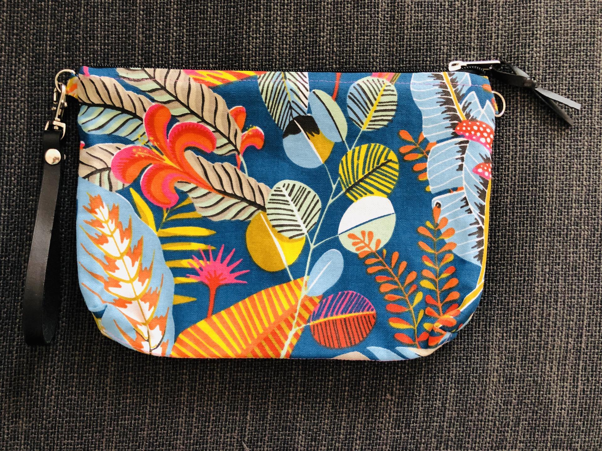 Bolso de mano o bandolera tropical azul