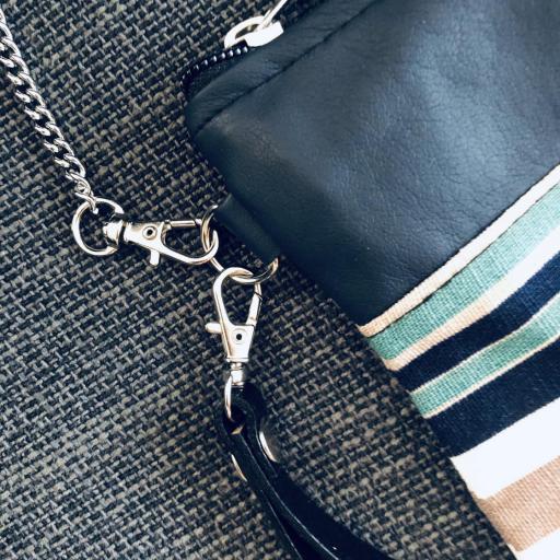 Bolso artesanal de rayas azules, beige y turquesa [1]