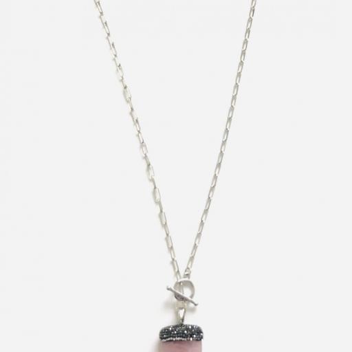 Colgante cuerno  de cuarzo rosa natural  y cristales [3]