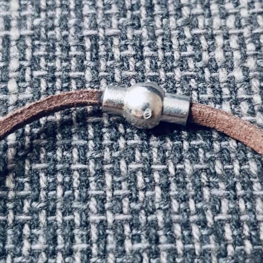 Colgante media luna antelina color marrón chocolate [1]