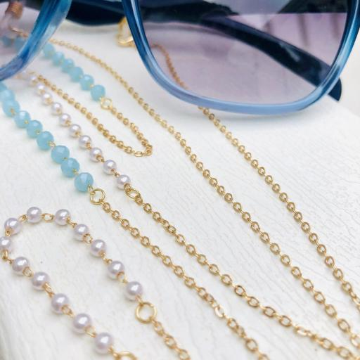 Cadena gafas de acero dorado, bolitas de strass color celeste y perlas blancas [0]