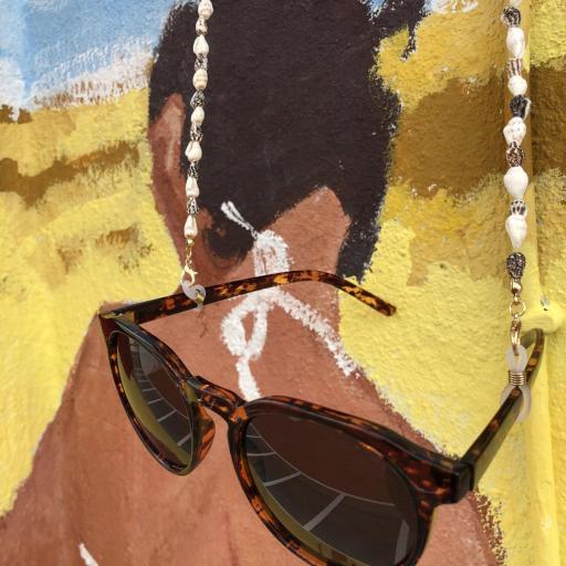 Cordón para gafas con caracolas en tonos marrones y crudo [3]